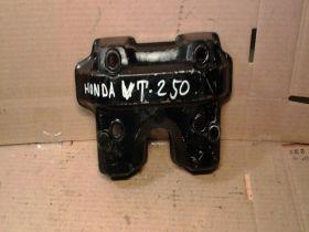 клапанная крышка  Honda  VT250