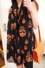 Тонкий шифоновый черный шарф с оранжевами черепами