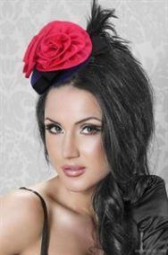 Шляпка таблетка с красной розой