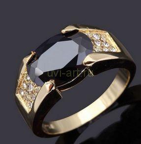 Позолоченное кольцо с ониксом и искусственными бриллиантами (арт. 801115)