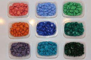 Камни-грунт цветные