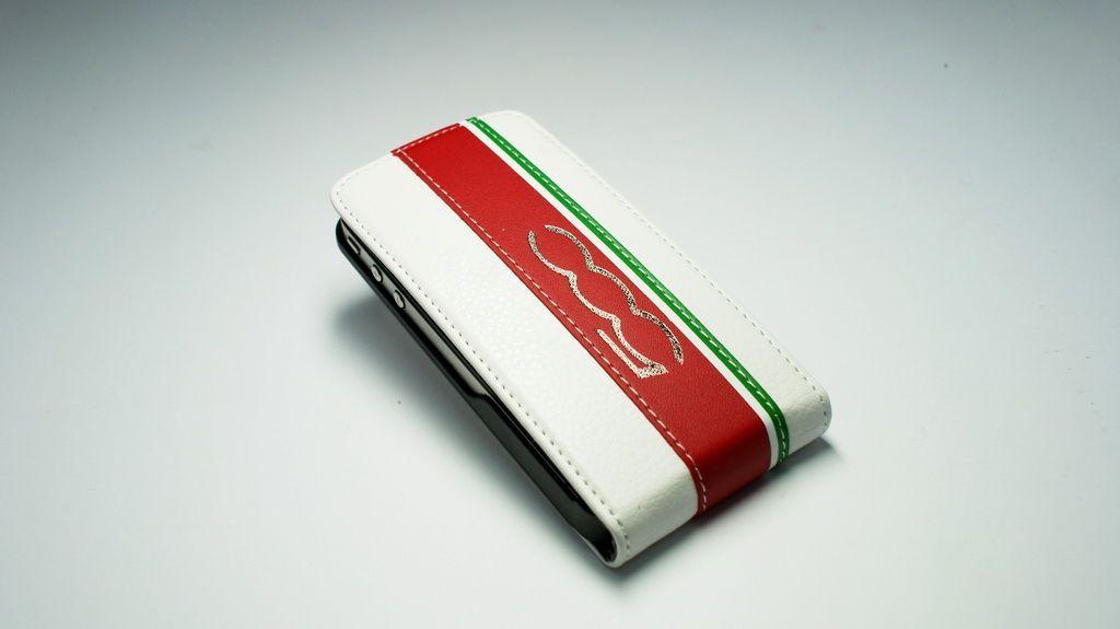 Чехол-флип для iPhone 4/4S  Sport 500 белый/красный