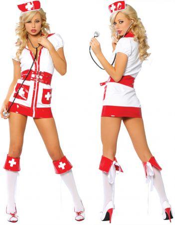 Медсестра и горничная