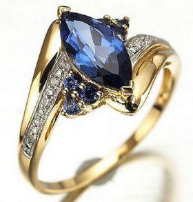 Позолоченное кольцо с сапфиром и цирконами (арт. 801126)