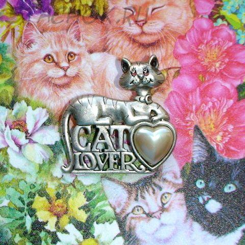 """Брошь """"Любитель кошек"""" под черненое серебро, перламутр"""