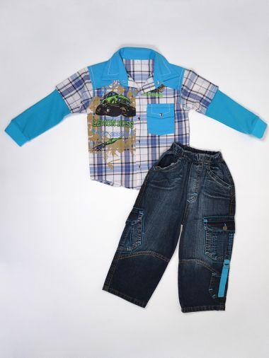 Стильный комплект из рубашки в клетку и джинсовых брюк