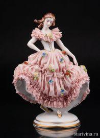 Девушка в розовом платье, кружевная, Muller & Co, Volkstedt, Германия, 1907-49 гг