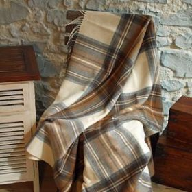 Шотландский плед, 100 % стопроцентная шерсть ягнёнка, расцветка (тартан) клана Стюарт-  Природный Natural Dress Stewart,плотность 8