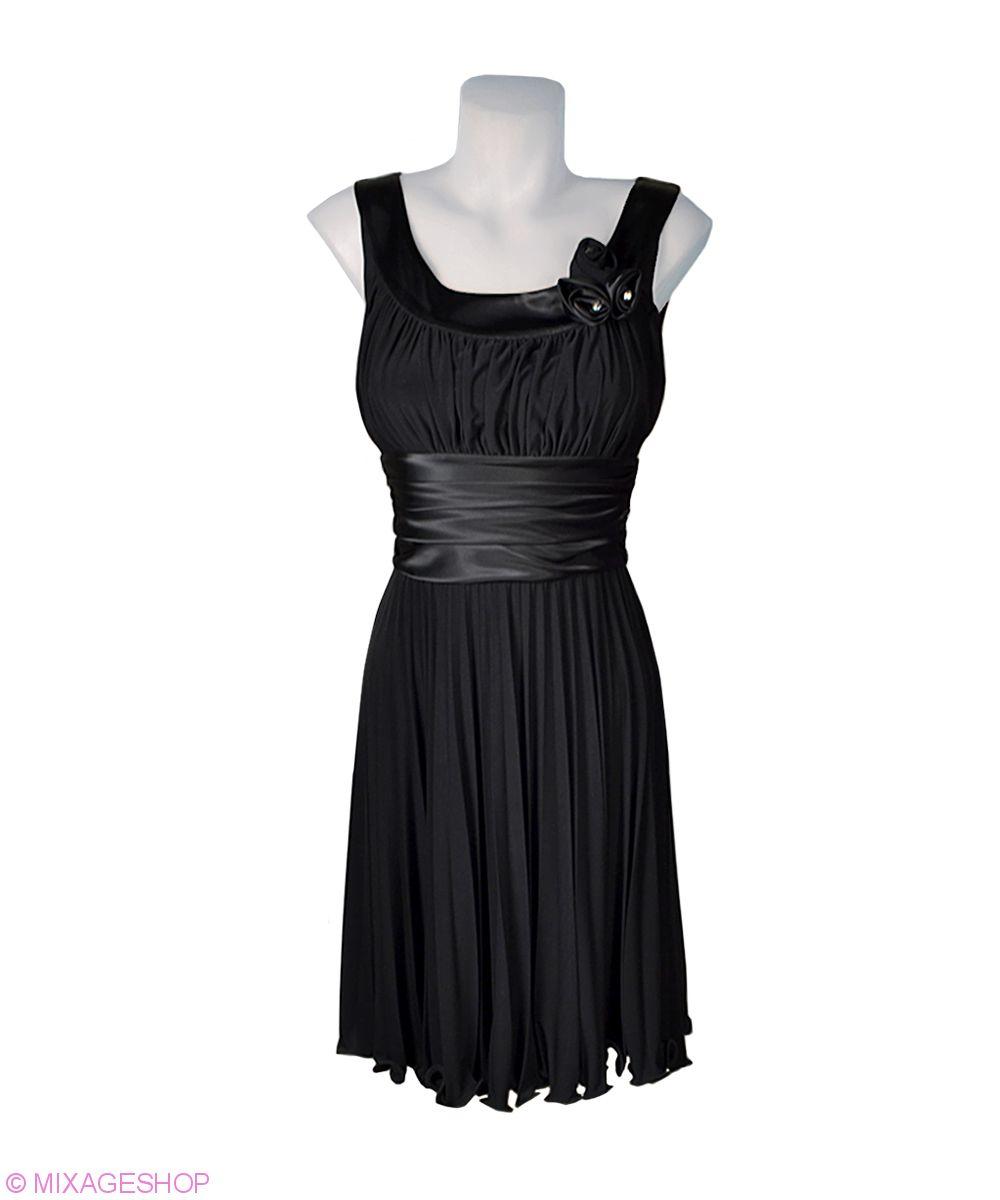 Черное платье из мягкого трикотажа с атласной отделкой