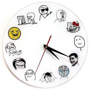 Часы trollface.
