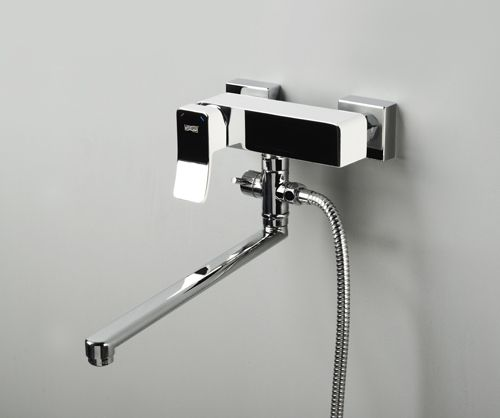 Смеситель для ванны с длинным поворотным изливом Aller 1062 LWHITE  wasserKraft
