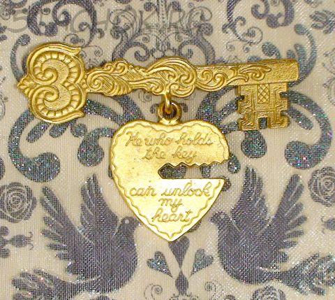 """Брошь """"Ключ от сердца"""" под золото"""