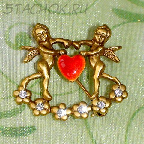 """Брошь """"Ангелы любви"""" под античное золото/эмаль/стразы"""