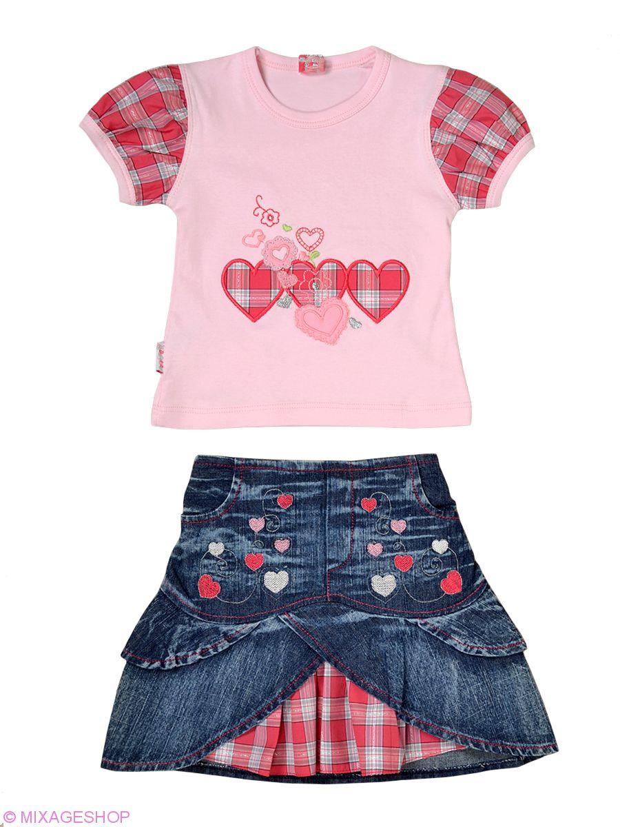 Стильный комплект из трикотажной футболки и джинсовой юбки