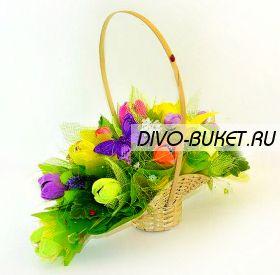"""Букет из конфет №451 """"Корзиночка с тюльпанами"""""""