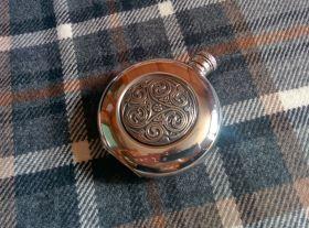 Фляжка из британского пьютера-  Келлский узор Round Kells , English Pewter