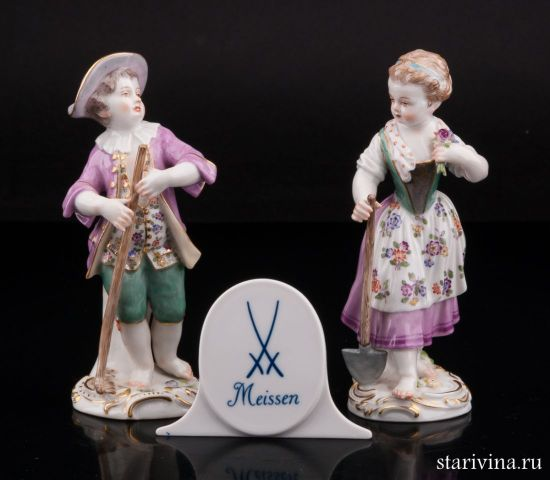 Фарфоровая статуэтка Садовники, пара с лопаткой и граблями производства Meissen, Германия