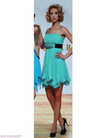 Воздушное платье из шифона с волнистым нижнем краем
