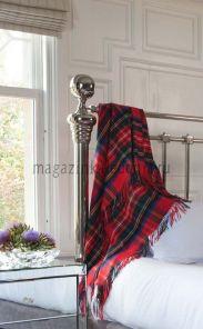Роскошный шотландский  плед из 100 % драгоценного кашемира, расцветка Королевский клан Стюарт Tartan Royal Stewart Cashmere