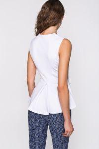 Блузка белая трикотажная с баской