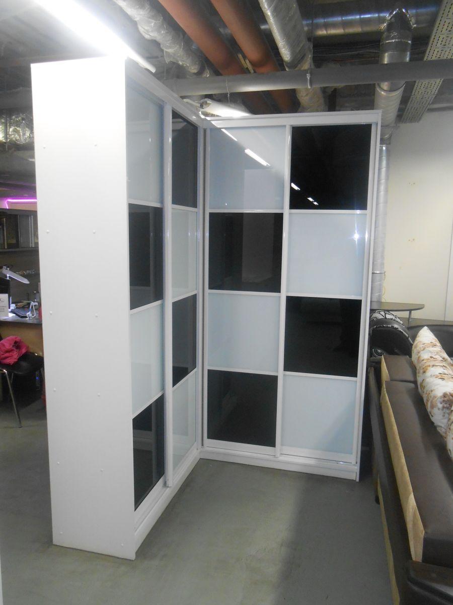 Шкаф купе - угловой со стеклом Оракал.