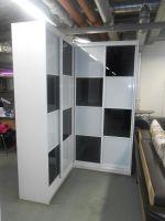 Шкаф купе - угловой со стеклом Оракал за 40 000 рублей.
