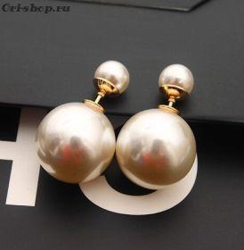 """Серьги-шарики """"Dior"""". Белый перламутр"""