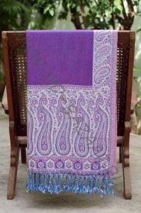 Фиолетовый с белым палантин