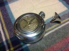 """Фляжка круглая из британского пьютера """"Кельтский круг"""" Round Brass Celtic Disk , English Pewter"""