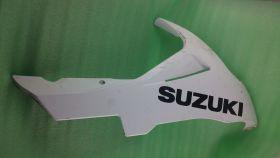 боковой пластик:правая нижняя часть (правая половина плуга)  Suzuki  GSXR600