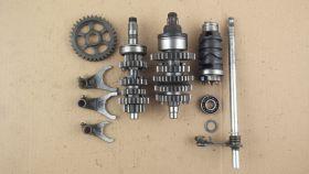 комплект. валы коробки передач: первичный, вторичный; вилки коробки передач (3шт.); копирный вал; вал переключения передач  Yamaha  FZR250