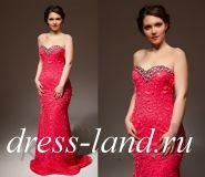 Красное вечернее платье, расшитое камнями