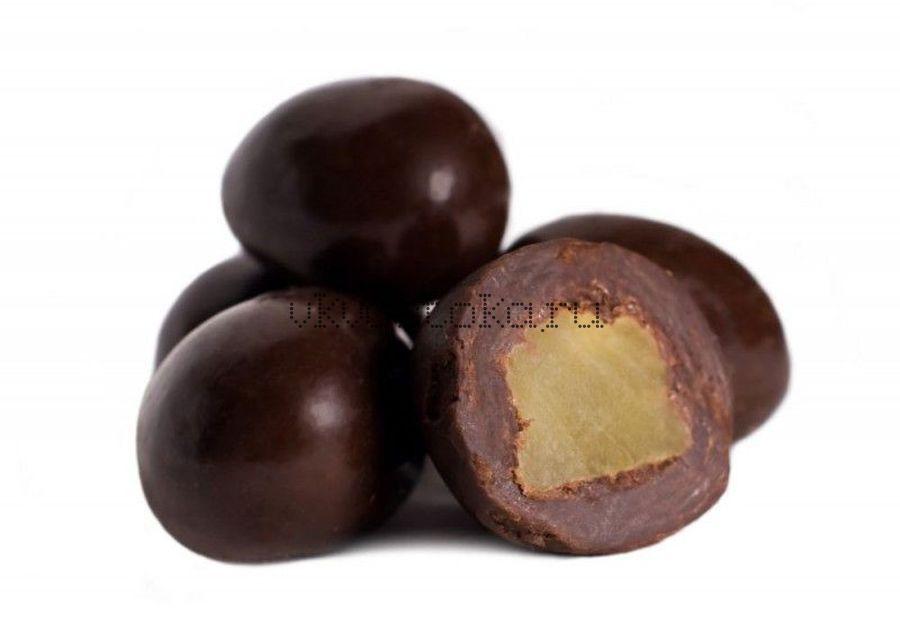 Ананас в темном шоколаде