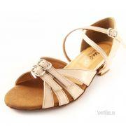 Кремовые туфли для танцев