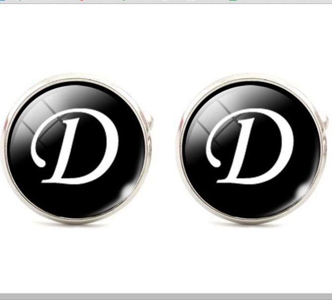Запонки буква Д