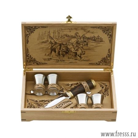 Набор подарочный в шкатулке из дуба