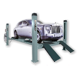 Подъемник четырехстоечный г/п 4500 кг. платформы гладкие