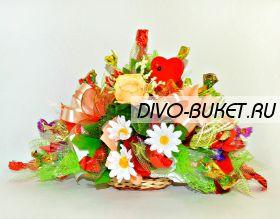 """Композиция из конфет с сердечком №623 """"Дежавю"""""""