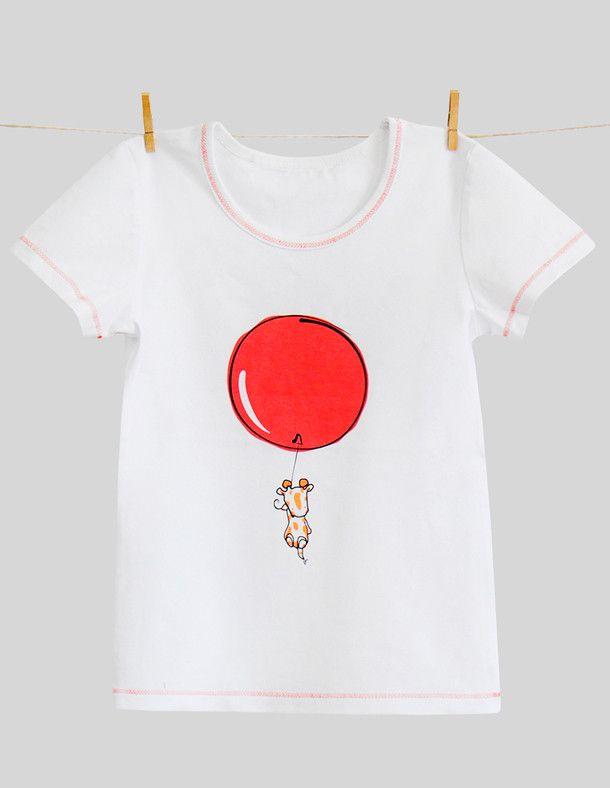 Белая футболка с забавным рисунком