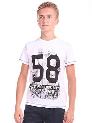 Белоснежная футболка для мальчика Большой город