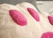 Розовые вставки-подушечки мохнатые и выпуклые.