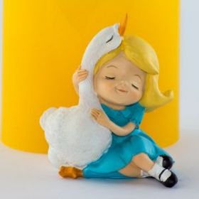 Форма для мыла Девочка с гусем 3D (силикон)