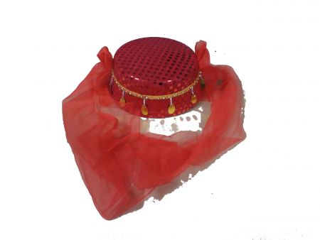 Женский восточный головной убор красный