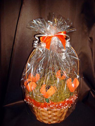 """Корзинка с чаем и конфетами """"Цветы"""" - подарочный набор №4"""