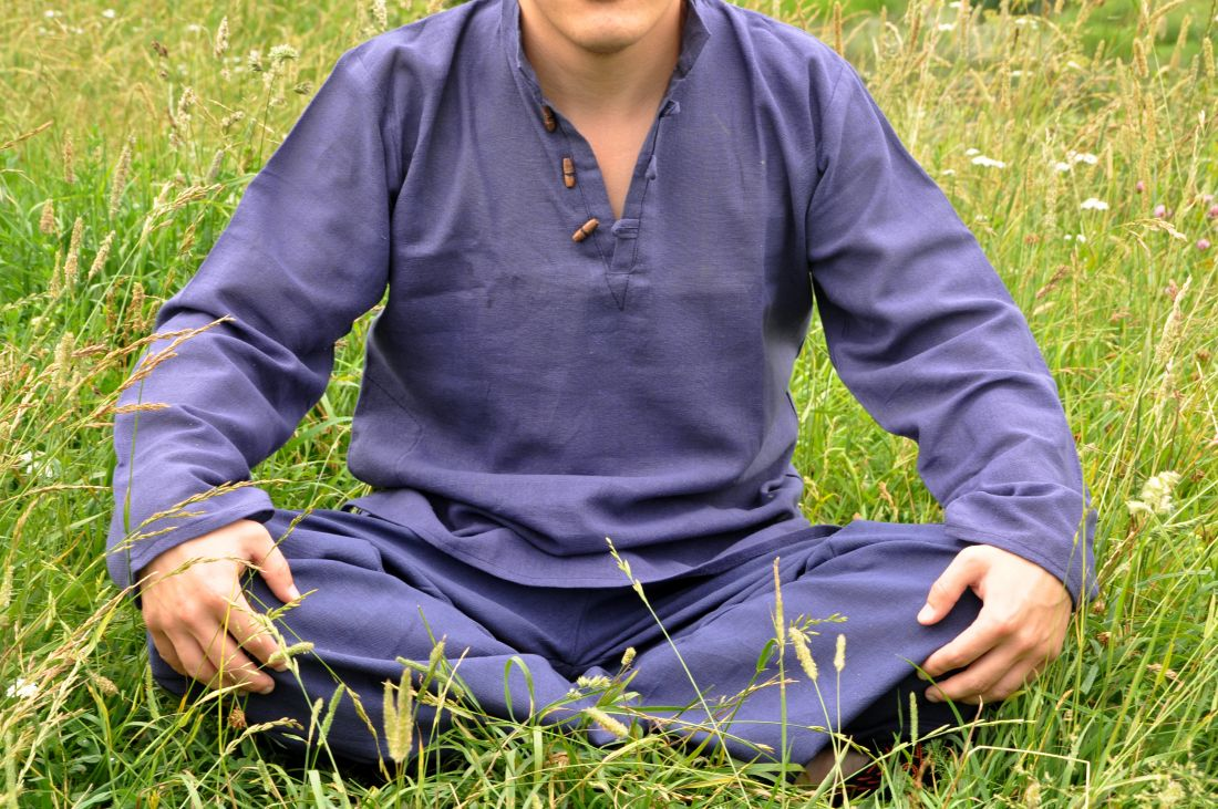 Синяя мужская рубашка из органического хлопка