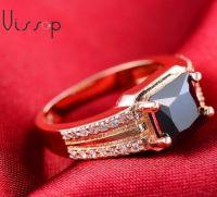 Перстень с черным цирконом