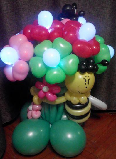 Букет из 7 светящихся цветов с пчёлкой и божьей коровкой