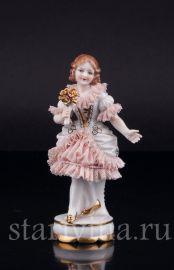 Девочка с цветком, кружевная, миниатюра, Muller & Co, Volkstedt, Германия, перв.пол.20 в