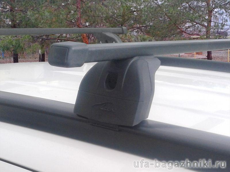 Багажник на крышу Hyundai Santa Fe 2012-..., Lux, стальные прямоугольные дуги на интегрированные рейлинги