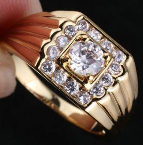 Позолоченное мужское кольцо с искусственными бриллиантами (арт. 260106)